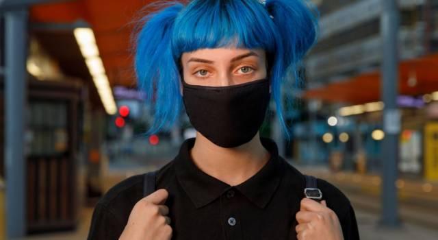 Come fare capelli blu elettrico