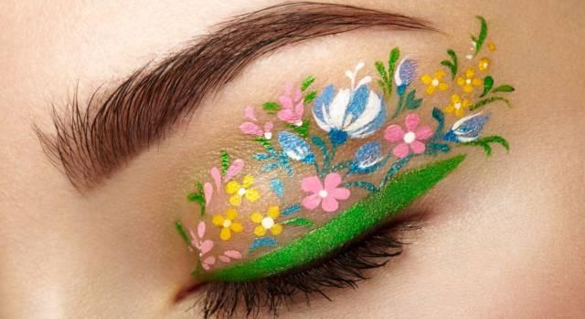 L'eyeliner è in fiore: il nuovo trend dell'estate 2020 a prova di influencer