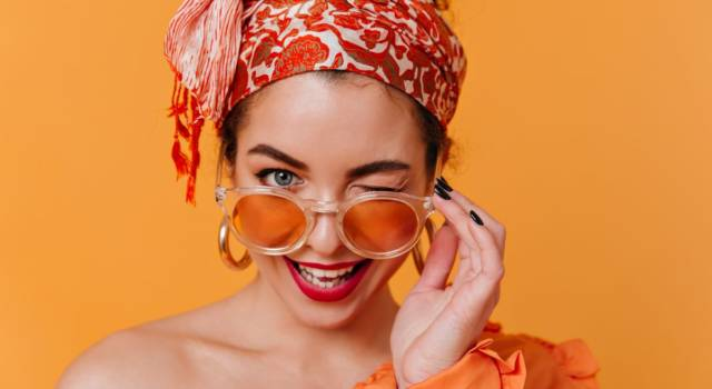 Il foulard è l'accessorio must have dell'estate 2020