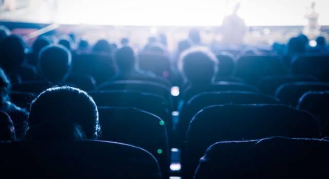 """Il film """"La scuola cattolica"""" viene vietato ai minorenni: la reazione del regista"""