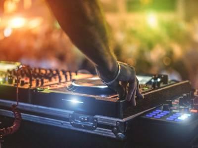Coronavirus: a Ibiza chiuse tutte le grandi discoteche