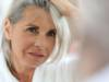 donna capelli grigi