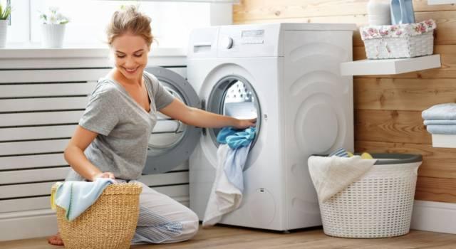 Quando mettere l'ammorbidente in lavatrice