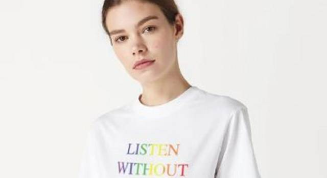 """Listen without prejudice"": la t-shirt firmata Victoria Beckham è già sold out"
