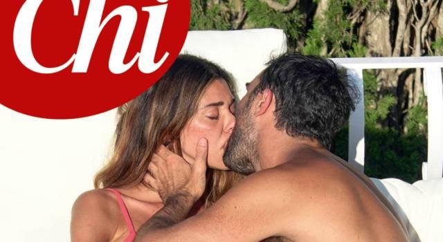 Belen e Gianmaria Antinolfi: baci bollenti in alto mare