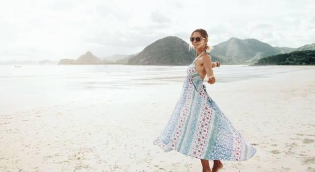 Come vestirsi per un falò in spiaggia
