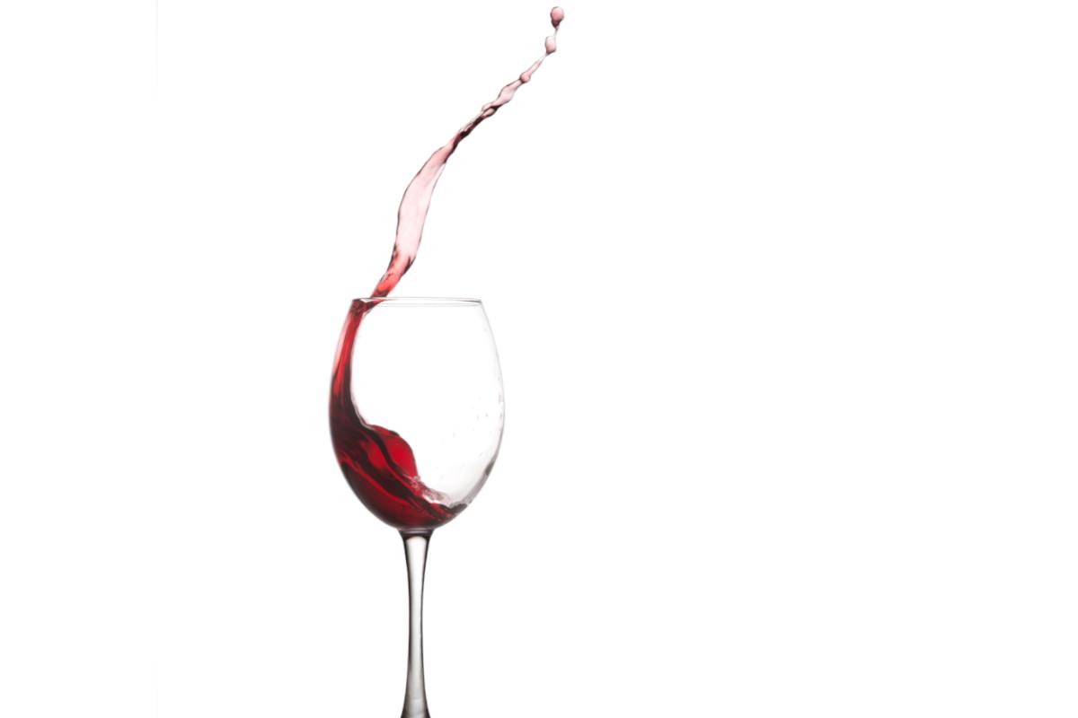 Come togliere macchie di vino dal muro