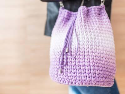 La borsa a rete diventa street bag e fa tendenza