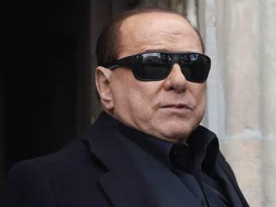 """Zangrillo: """"A marzo Berlusconi sarebbe morto"""""""