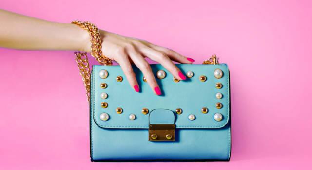 La borsa must have autunnale è quella con la catena: una pret-a-porter chic