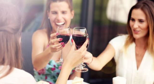 Donne e alcol: i rischi a lungo termine che non ti aspettavi come cancro e infertilità