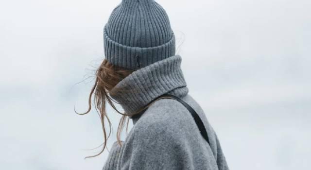 Top, pantaloni e vestiti: i must-have in lana da avere assolutamente