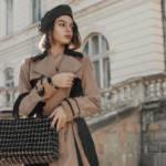 In nero e cammello: il look trendy dell'inverno 2021