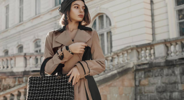 In nero e cammello: il look trendy dell'inverno 2021
