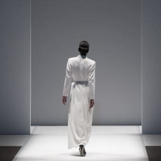 Dior vola a Shanghai con la Pre-Fall 2021 e torna a sfilare dal vivo