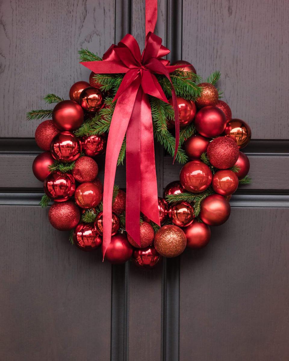 Ghirlanda di Natale con palline