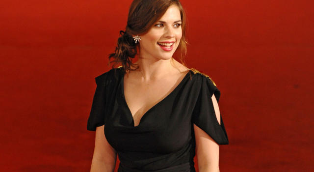 Hayley Atwell: chi è la nuova fiamma di Tom Cruise (attrice di Mission Impossible 7)