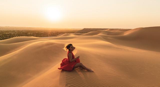 Yves Saint Laurent torna in Marocco: la collezione 2021 è un viaggio nel deserto
