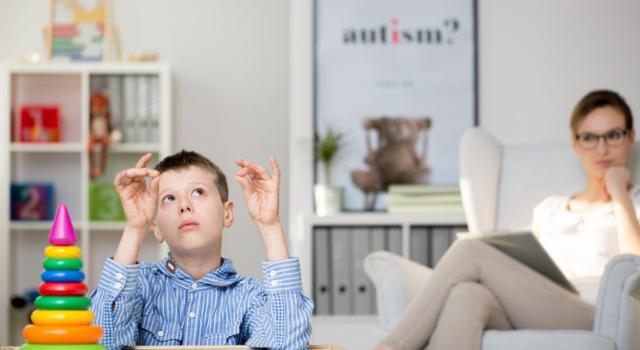Come si manifesta la sindrome di Asperger nei bambini?