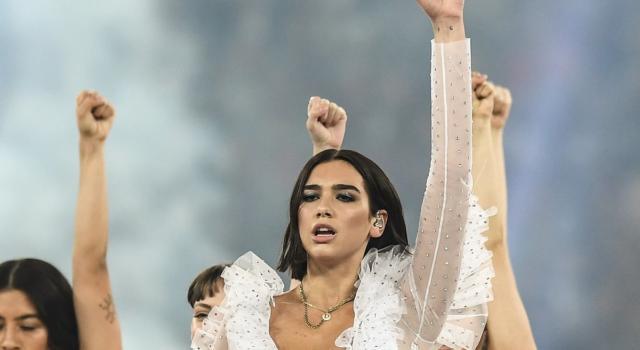Grammy 2021 in glam: i look più belli dei protagonisti