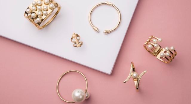 I gioielli Pandora più trendy da acquistare con sconti fino al 40%