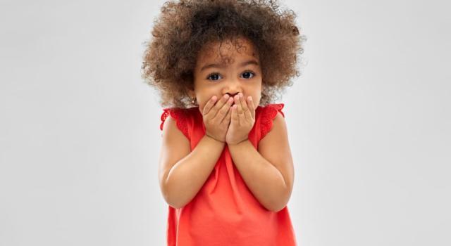 Cos'è e da cosa è causato il mutismo selettivo nei bambini?