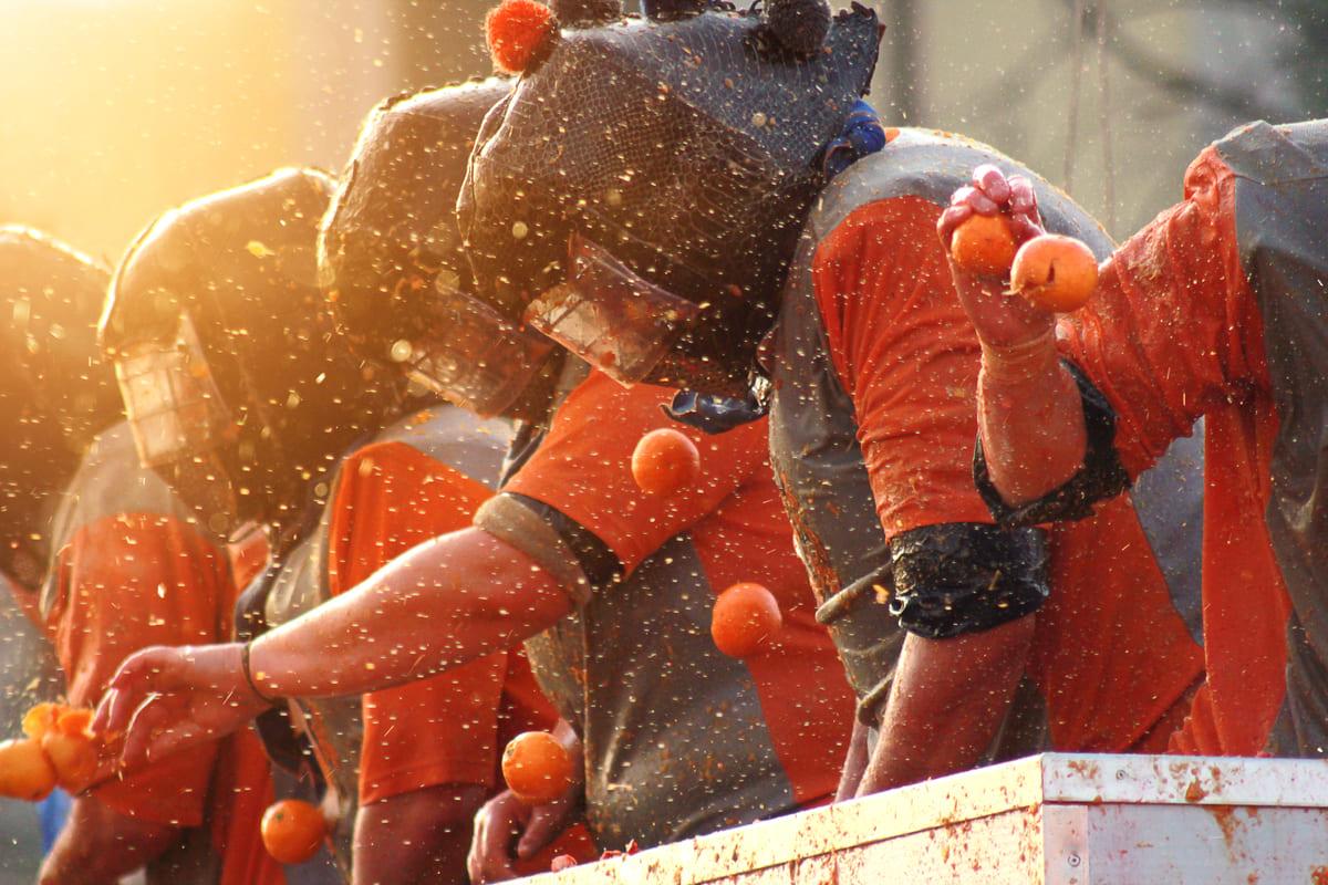 Battaglia delle arance al carnevale di Ivrea