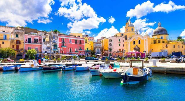 Tutto quello che c'è da vedere a Procida, meravigliosa isola nel golfo di Napoli
