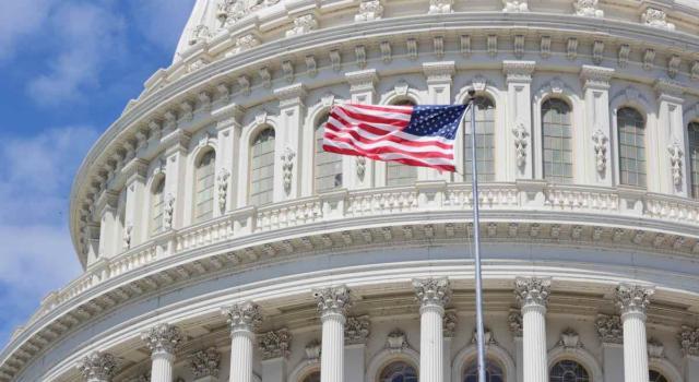 Assalto a Capitol Hill: il giornalista Antonio Di Bella aggredito in diretta