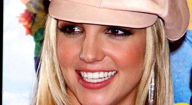 Svolta nel caso di Britney Spears: il padre chiede l'annullamento della custodia.