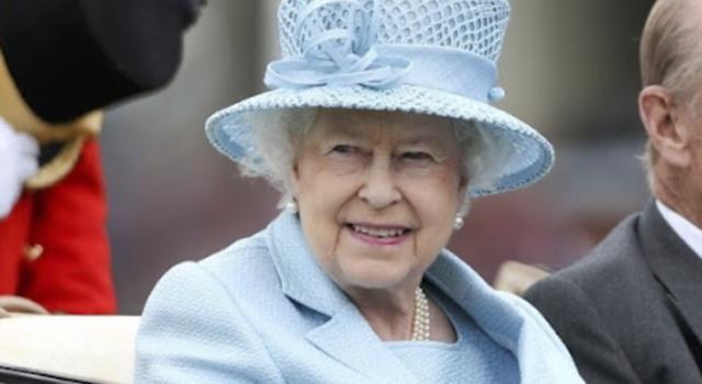 La Regina Elisabetta festeggia il compleanno due volte (in due giorni diversi): ecco perché