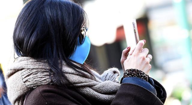 Sbloccare l'iPhone con la mascherina? Adesso si può, ma a una condizione