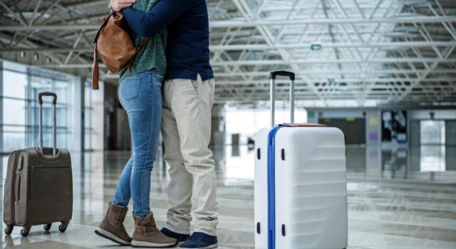 A Londra arriva la tassa sugli abbracci in aeroporto