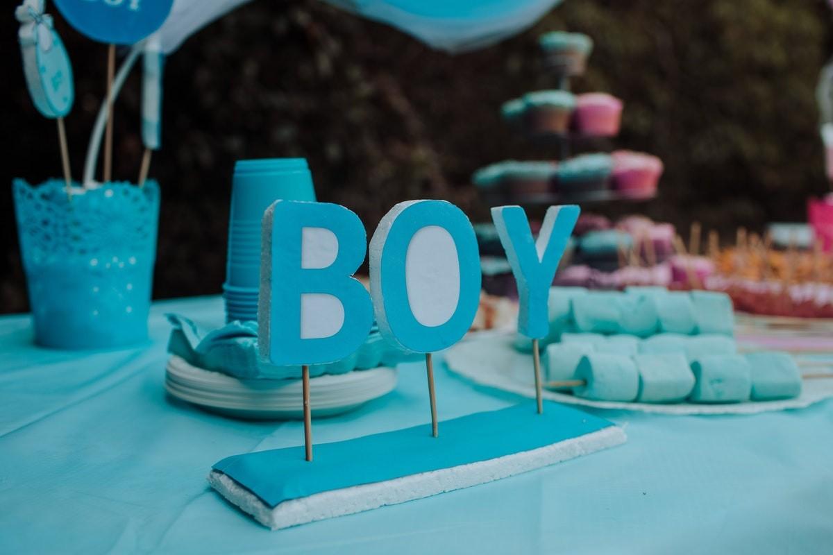 Festa per il bebè gender reveal party