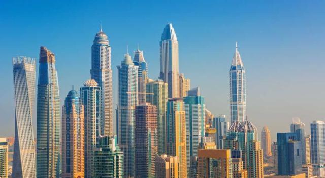 Dubai, modelle nude sul balcone: arrestate