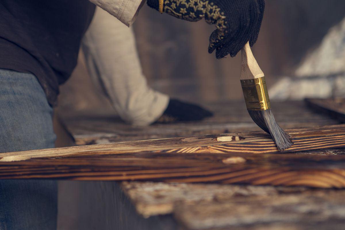lucidare legno