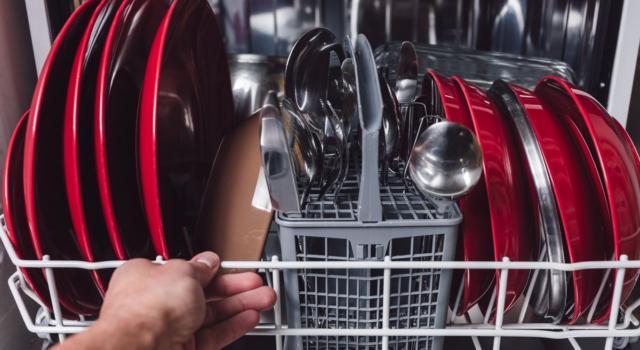 Eliminare l'odore dalla lavastoviglie