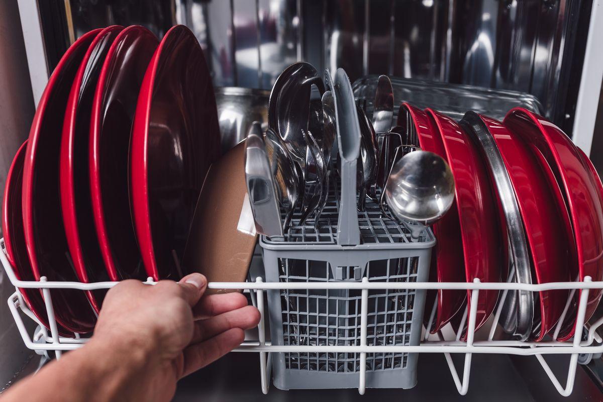 carico lavastoviglie