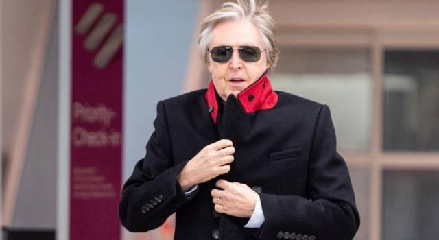 "Paul McCartney si vaccina: ""Fatelo anche voi, siate cool"""