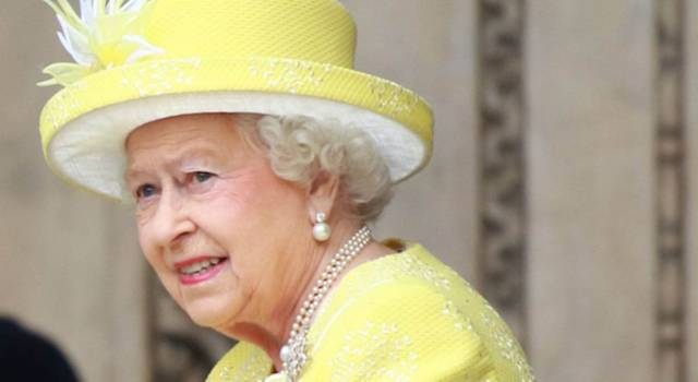 Un nuovo scandalo travolge la Regina: il Principe Andrea denunciato per abusi