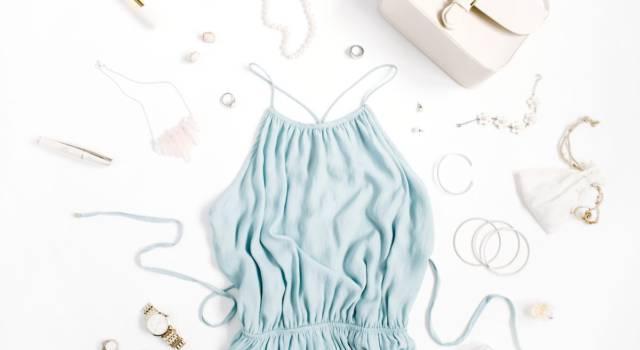 Weekend, relax e abito azzurro sia: i modelli comfy e sognanti da indossare quest'estate