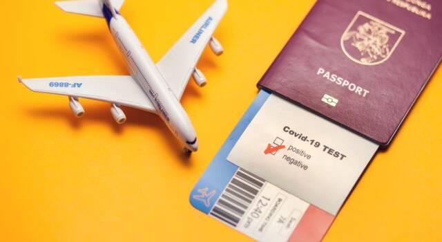 Covid, viaggi all'estero: tutte le regole e i documenti necessari per partire