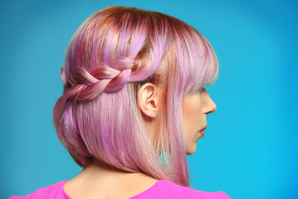 capelli rosa treccia