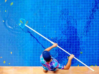 Come pulire la piscina: le regole da seguire per un risultato perfetto
