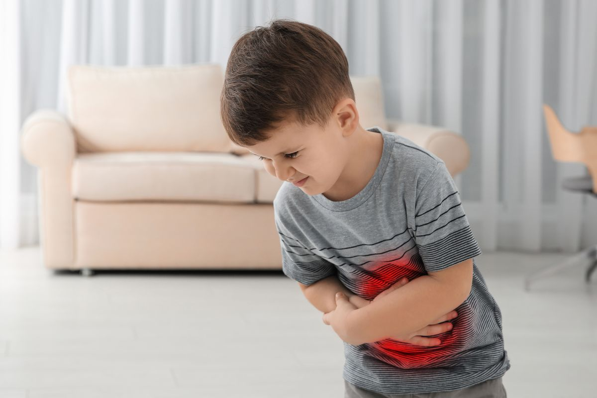 Bambino con mal di pancia