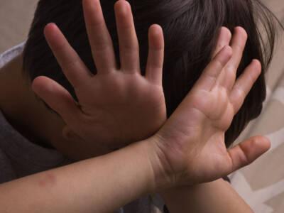 """'Diavoli della Bassa Modenese': il """"bimbo zero"""" dell'inchiesta su abusi e riti satanici rivela di aver inventato le accuse"""