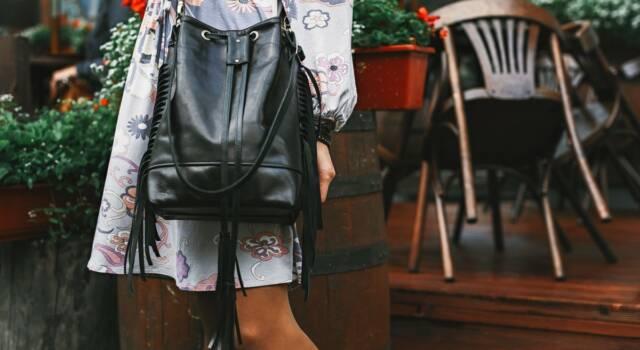 Un must-have summer vibes da cui non separarsi mai più: la borsa secchiello