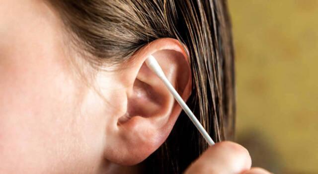 Come pulire le orecchie nel modo corretto: le regole da seguire