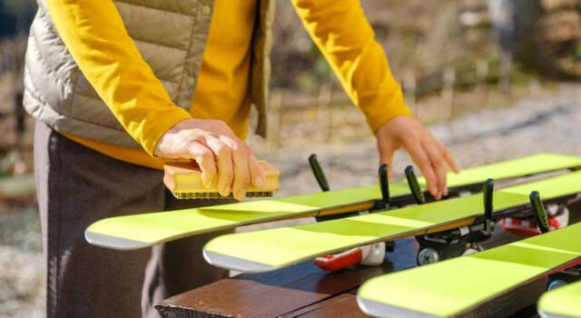 Come preparare gli sci prima di tornare ad usarli
