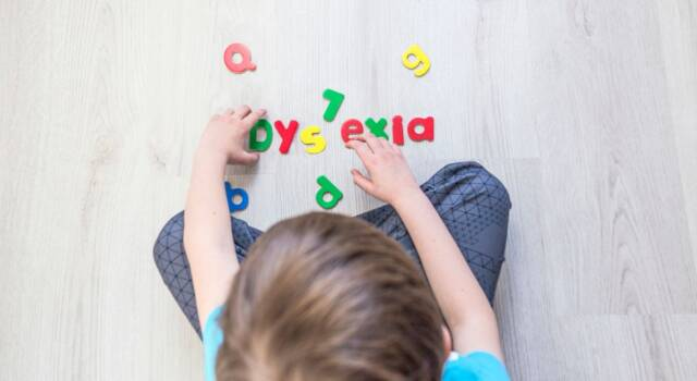 Cos'è la dislessia? I sintomi tipici come si riconoscono?